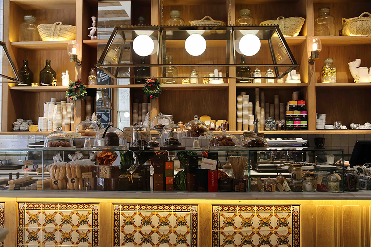 breakfast-in-barcelona-bar